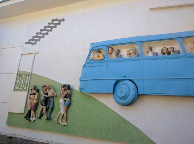Inhotim abre a porta rodoviaria de Brumadinho
