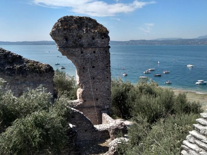 Lago de Garda Sirmione ruínas da vila de catulo