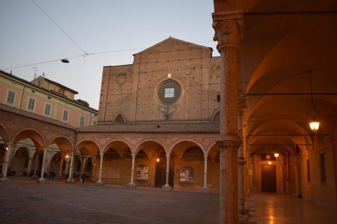 Bologna porticos Santa Maria dei Servi 6