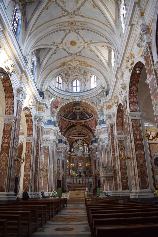 Monopoli puglia sul italia catedral 3