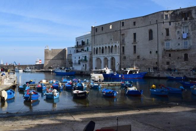 Monopoli puglia sul italia porto antigo 2