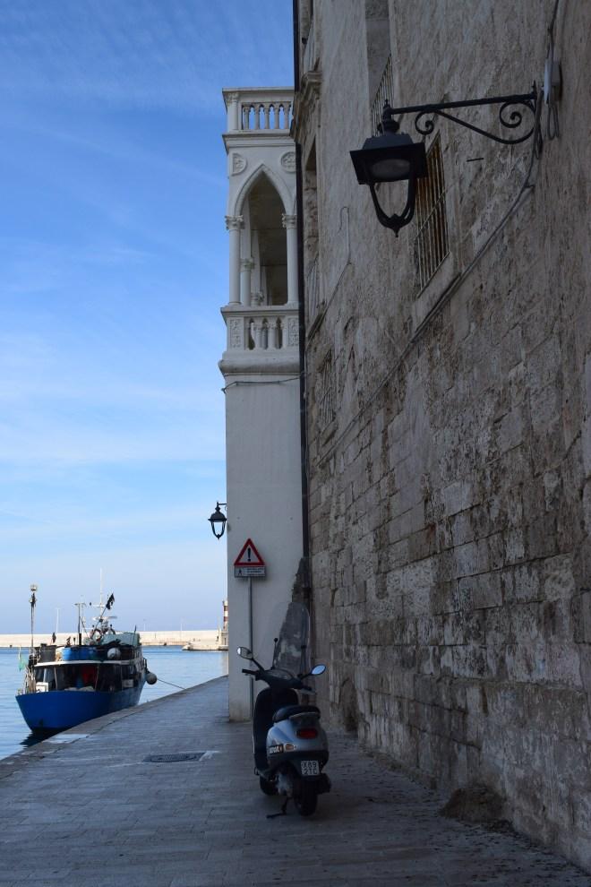 Monopoli puglia sul italia porto antigo 3