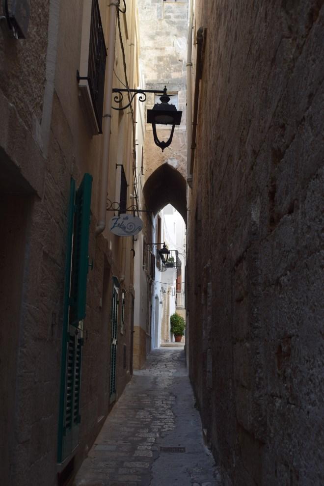 Monopoli puglia sul italia rua estreita