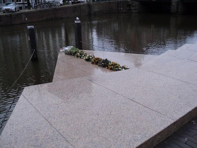 Lugares segunda guerra Amsterdam Homomonument Amsterdam monumento homossexuais assassinados