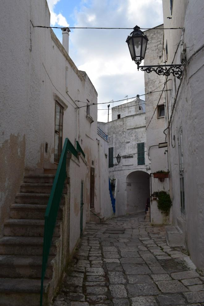 Ostuni cidade branca puglia italia ruas 3