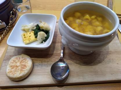 comidas típicas provar bologna tortellini in brodo