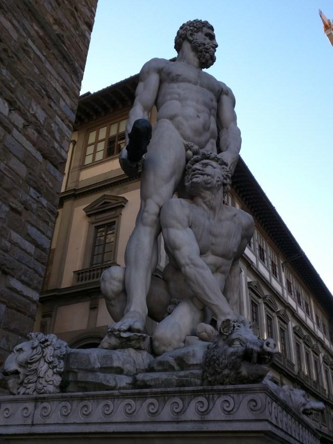 Florença piazza signoria palazzo vecchio estatuas hercules e caco
