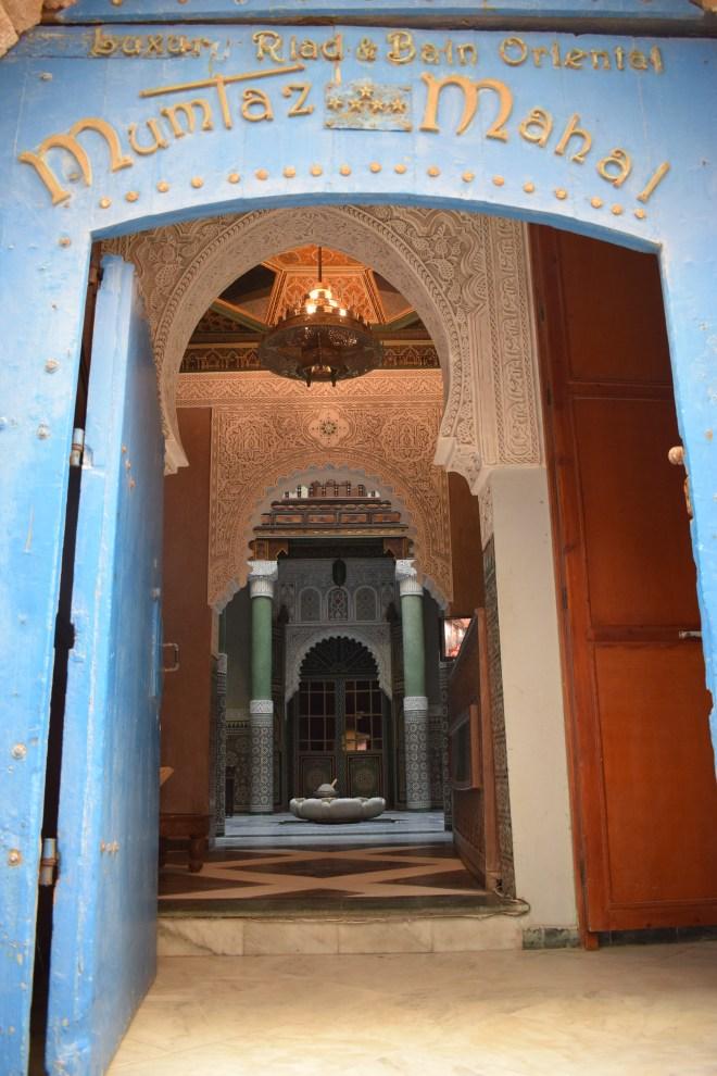 Marrocos Essaouira espiando portas