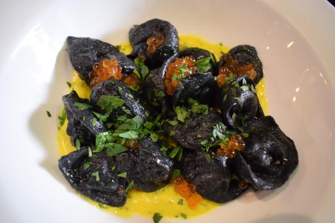 pratos típicos provar rússia pierogui caviar