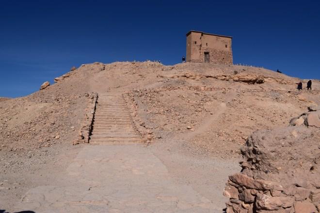 Ait Ben Haddou sul marrocos chegando no alto da cidade