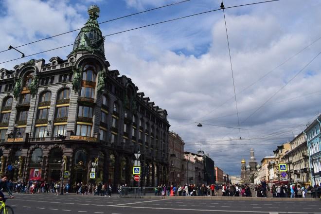 Russia Petersburgo Avenida Nevski casa singer livraria salvador sangue derramado