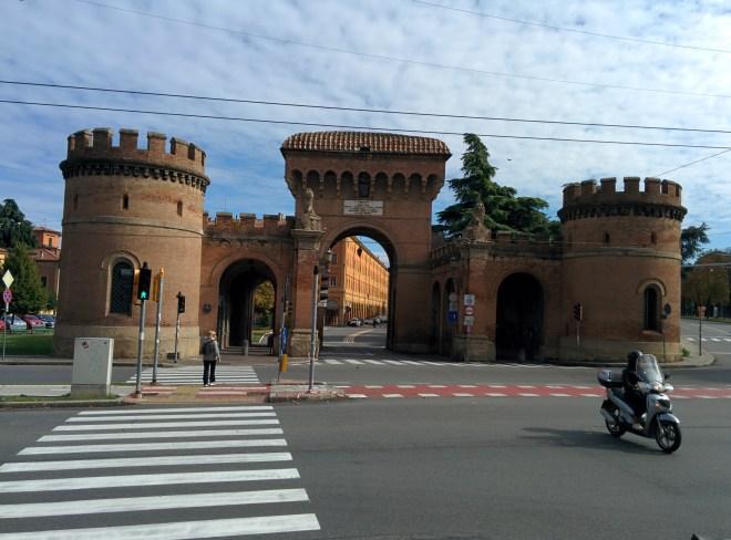 Bologna muros medievais porta Saragozza