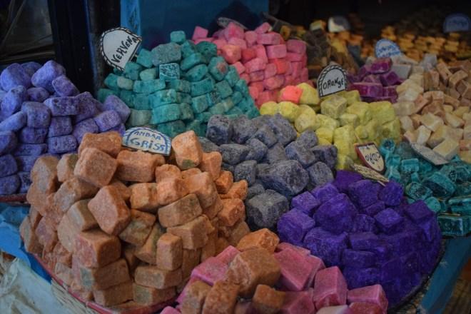 Marrocos Chefhaouen cidade azul perfumes sólidos