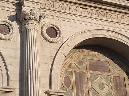 Rimini tempio malatestiano detalhe