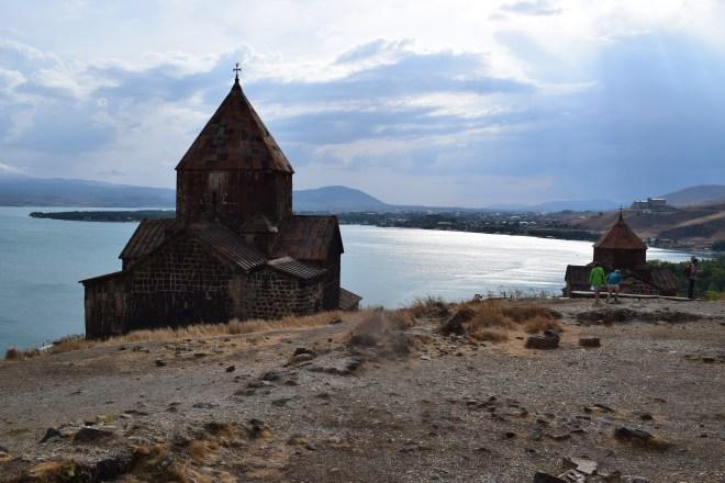Armenia lago sevan monasterio medieval Sevanarank igrejas 2