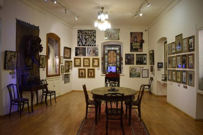 Yerevan casa museu cineasta Parajanov sala