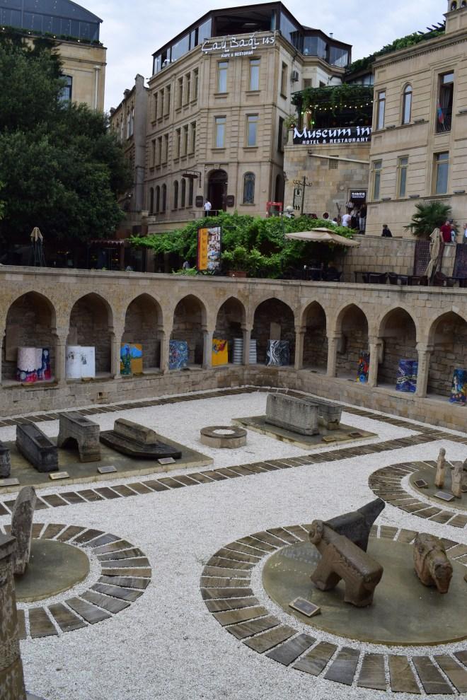 Baku ruinas mercado medieval