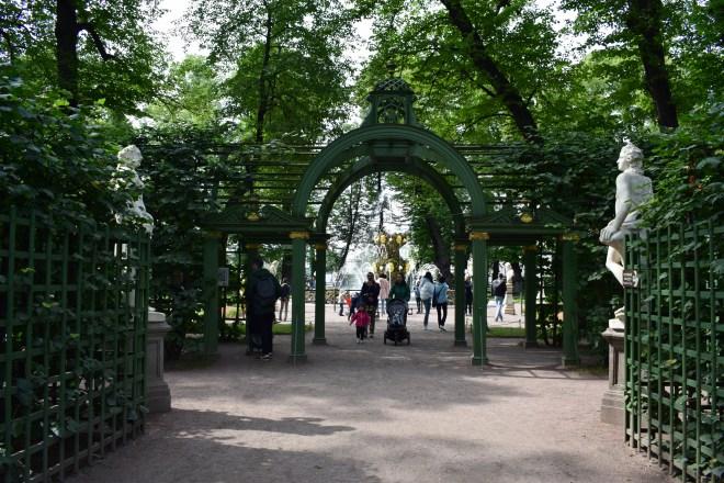 Russia Petersburgo parques jardim de verão ruas