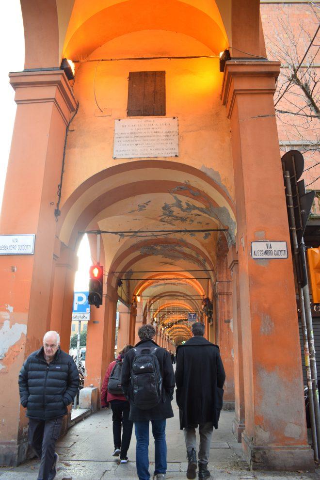 Bologna estrada porticos igreja san luca 7