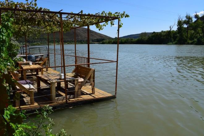 Georgia Mtskheta centro espiritual religioso restaurantes beira rio