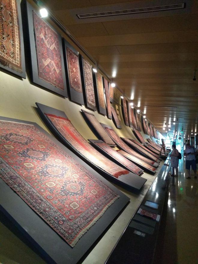 Baku moderna museu tapete 1