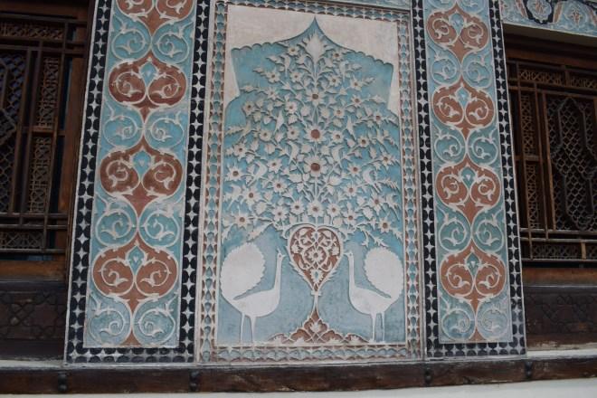 Sheki rota seda palácio verão khans detalhe pavões