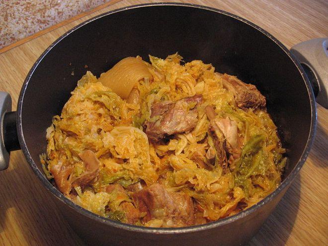pratos tipicos provar lombardia milão Cassoeula