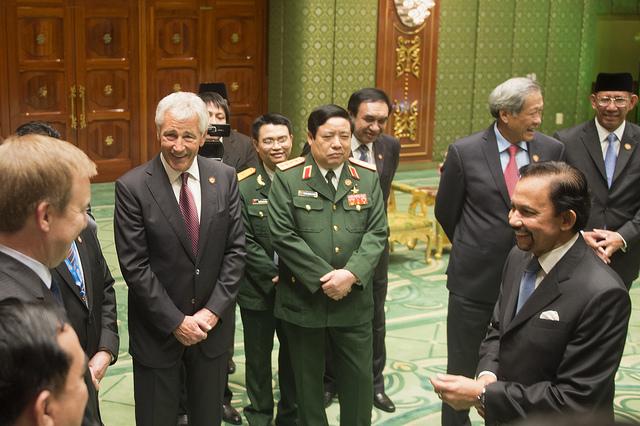 Chuck Hagel with Brunei Sultan (Ash Carter)