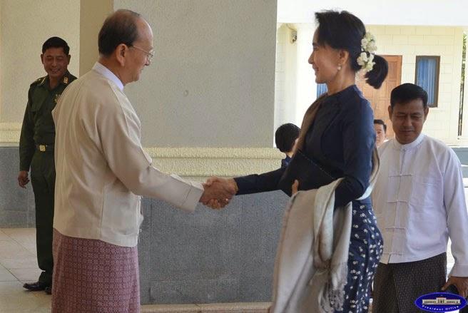 緬甸總統登盛與反對黨領袖翁山蘇姬會晤。(圖片來源:Myanmar President Office, http://goo.gl/PqTFCo)
