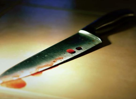 Bloody knife Murder file photo