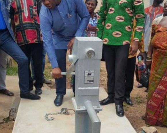 Napo builds borehole