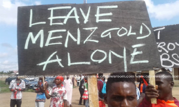 Some aggrieved Menzgold customers demonstrating