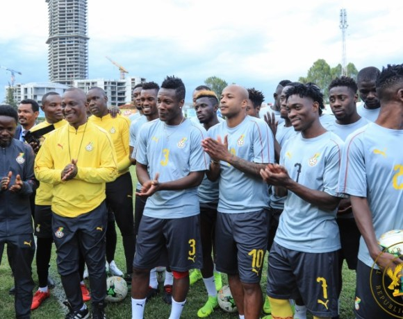 Akufo-Addo-visits-Black-Stars-players