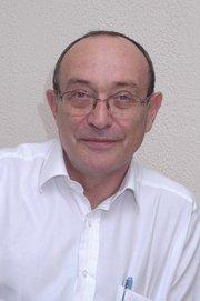 Abraham Czerniak, hijo de Pinhas Czerniak y sobrino de Abraham Czernik, nacido en Breslau (Polonia) en 1946, fallecido en Tel Aviv en 2013. Médico.