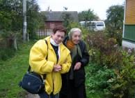 Iritz Czerniak y Vera Ochryc en 2010 - Vera Ochryc es una campesina cristiana que durante la guerra hospedó en su casa a Iritz Czerniak protegiéndola de los nazis.