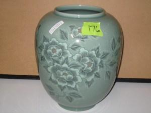 17 - Vase