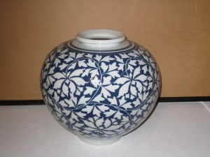 24 - Vase - H-4