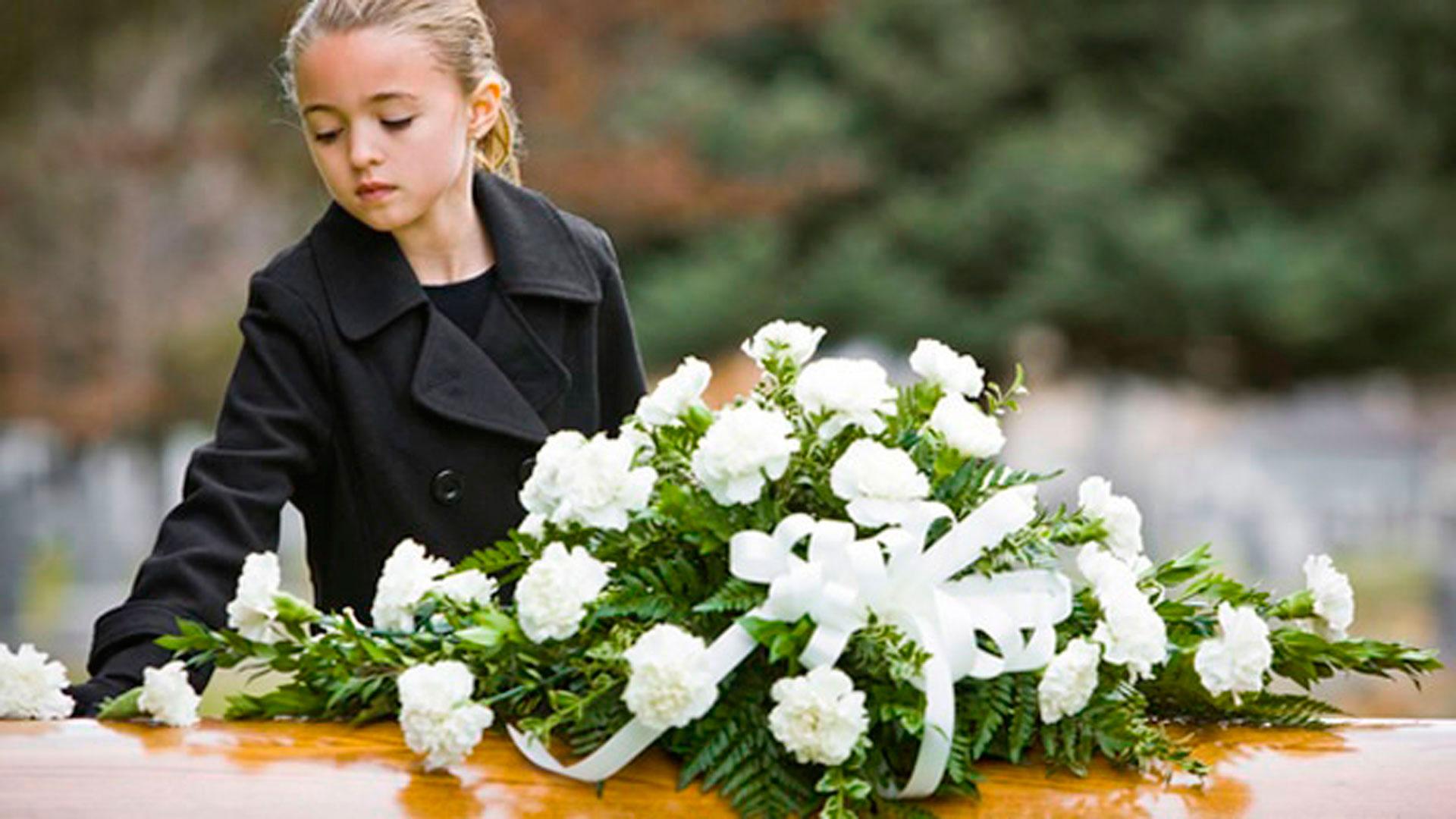 Los-niños-deben-asistir-a-los-entierros-1920