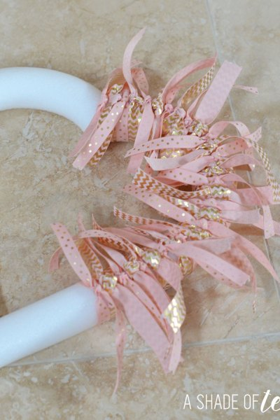 DIY // Valentines Day Heart Ribbon Wreath