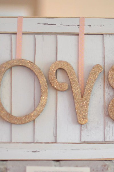 DIY // Valentines Day Love Sign