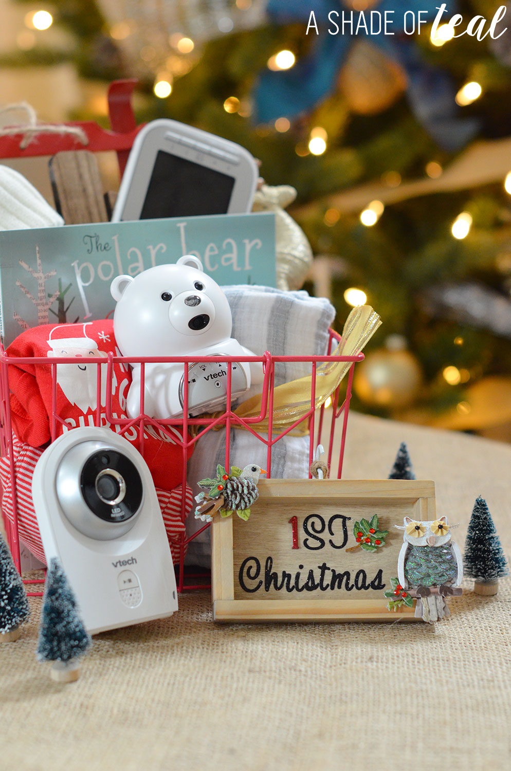 Baby\'s 1st Christmas Ornament & Gift Basket