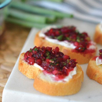 Spicy Cranberry & Cream Cheese Crostini