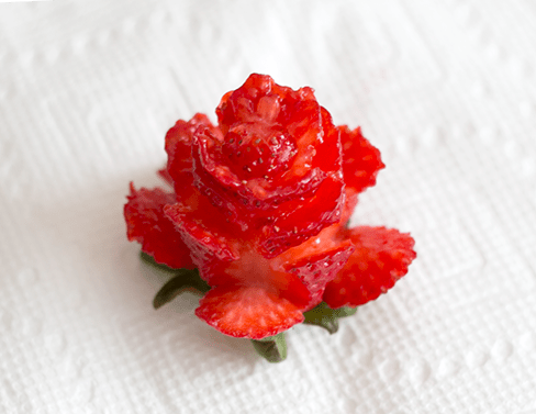 How to cut strawberry roses | ashandcrafts.com