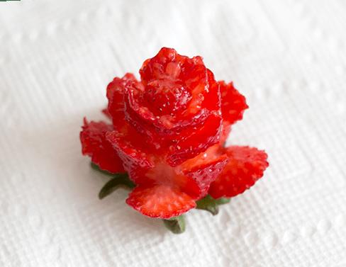 How to cut strawberry roses | ashandcrafts.com