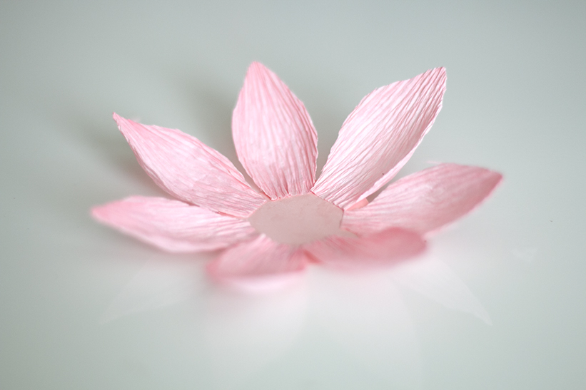How To Make A Water Lily Out Of Tissue Paper|Origami Water Lily ... | 547x821