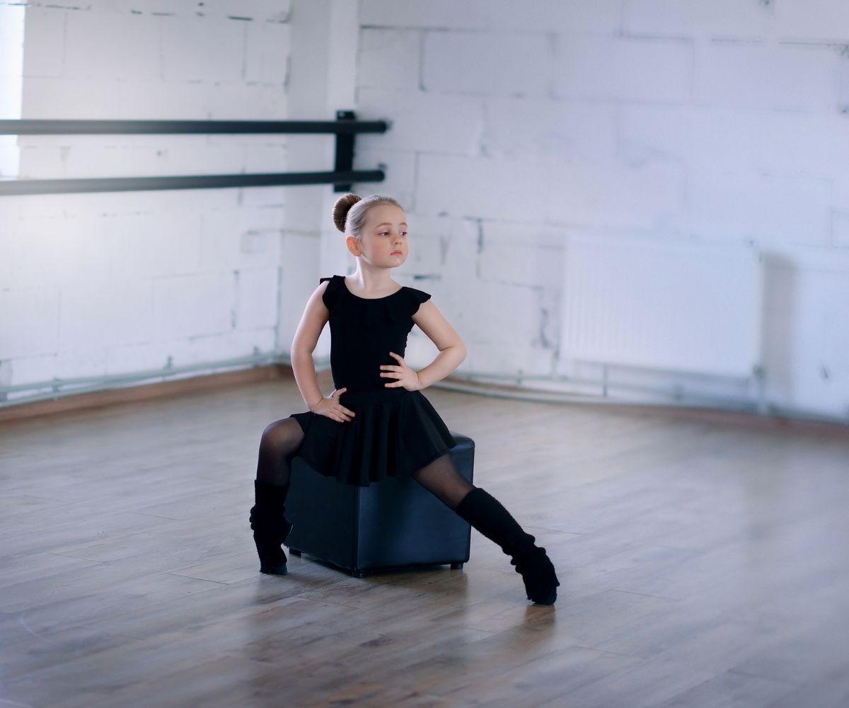 Kind in Fusion Ballett Pose