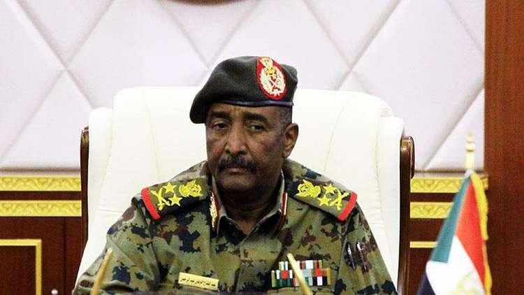 رئيس المجلس الانتقالي في السودان يستقبل وفدا سعوديا إماراتيا