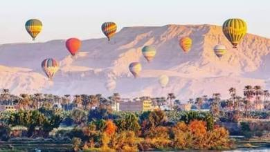 انطلاق 20 رحلة بالون طائر على متنها 400 سائح فى سماء الاقصر