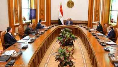 Photo of السيسي يجتمع مع رئيس الحكومة وعدد من الوزراء ويوجه الأجهزة المعنية بتوفير السلع الأساسية