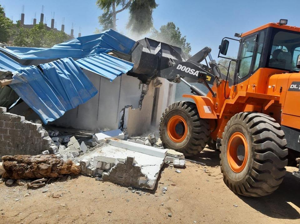 تنفيذ 10 قرارات إزالة تعديات بمدينة القرنة وقرية الغربى قامولا بالأقصر